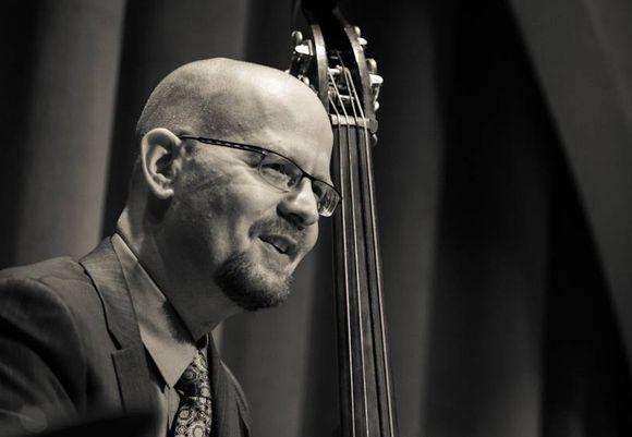 Michael Karn, Bass