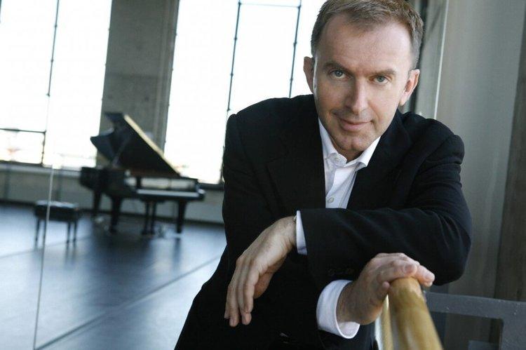 Pedja Muzijevic, Piano