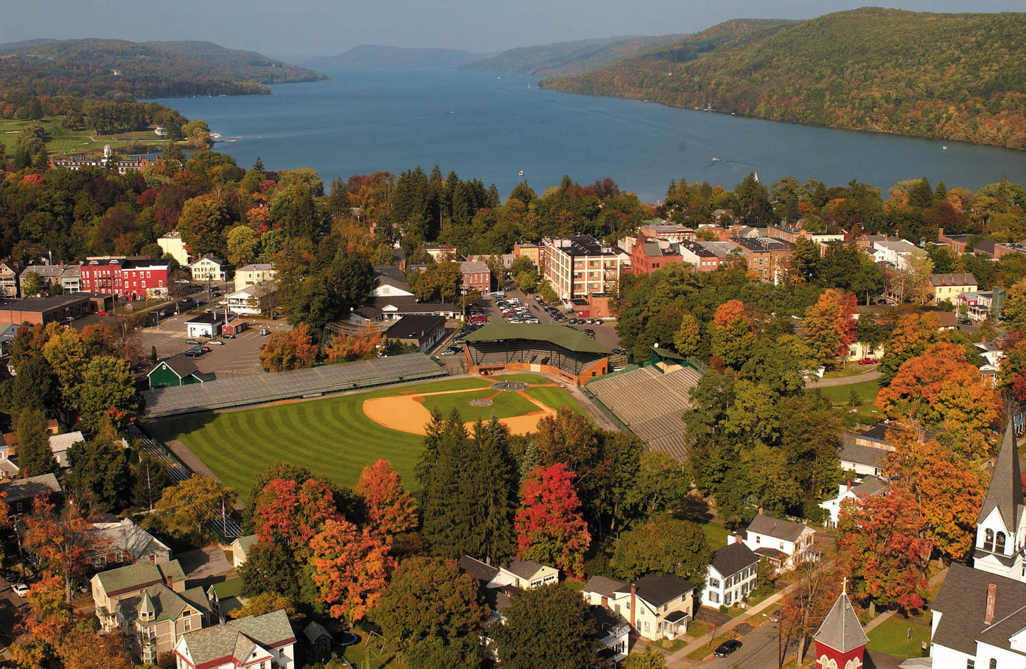 cooperstown-ny_otsego-lake_01.jpg