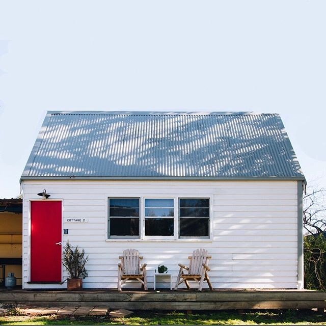 @torquayretreats // #holidayaccomodation photography • • • • • #brandphotography #torquayretreats #holidayaccomodation #airbnb #stayz #housephotography #interiorphotography #accomodation #torquayholiday #torquayaccomodation #beachhouse #summer #visitvictoria