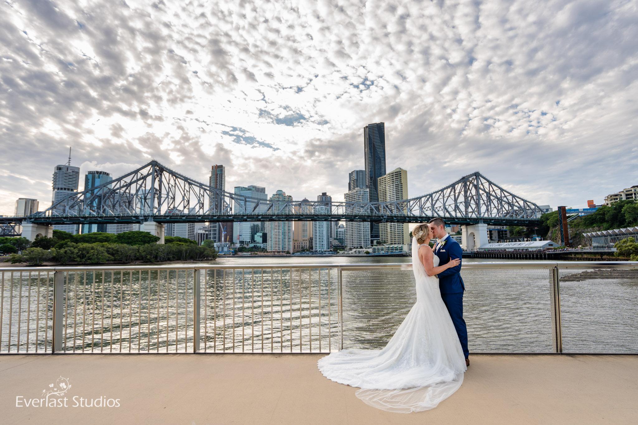 Wedding photos at story bridge, Brisbane