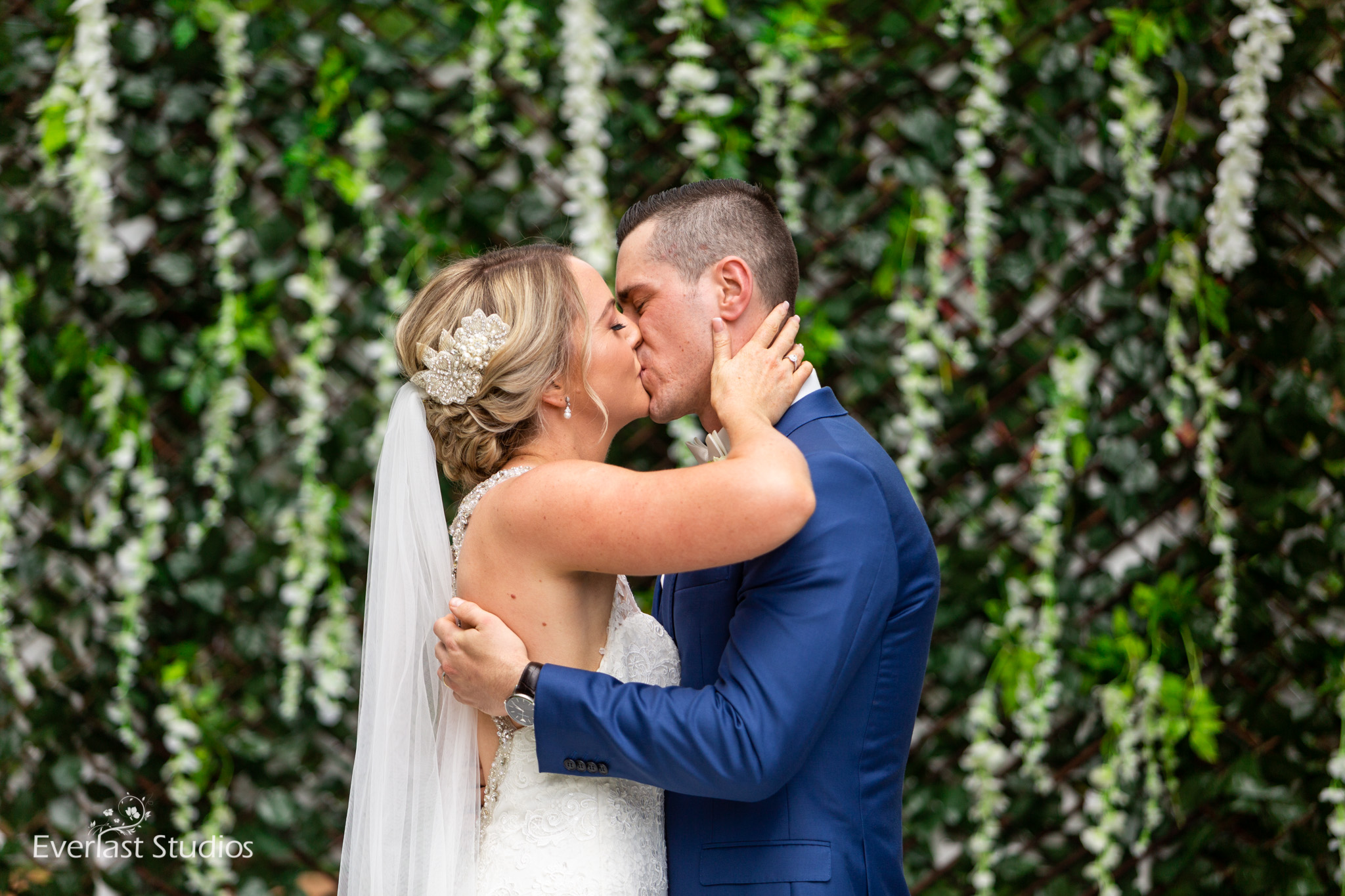 First Kiss, Wedding Ceremony at Stamford Plaza Brisbane