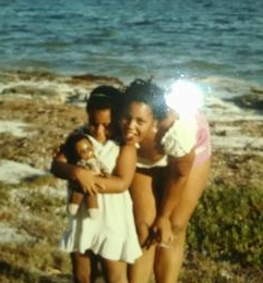 Katia at age 3 with her mom
