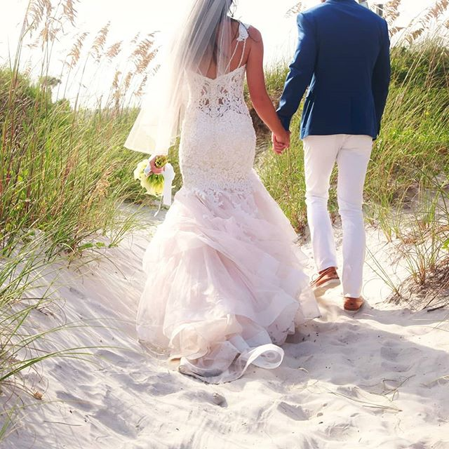 Cannot wait to shoot at shell island again this weekend. . #saltysandyhappy 👣🏖💗 #shellislandresort #wrightsvillebeach #beachwedding #weddingphotography #brideandgroom