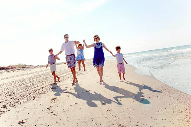 The last time we did this shot they were a family of four. 💕  #familyoffive . #baldheadisland #shoalsclub #beachfamilyphotos #repeatclients #vacationstyle #wilmingtonphotographer #beachwalk #ncphotographer  #ncbeaches #bhi #familyphotosession