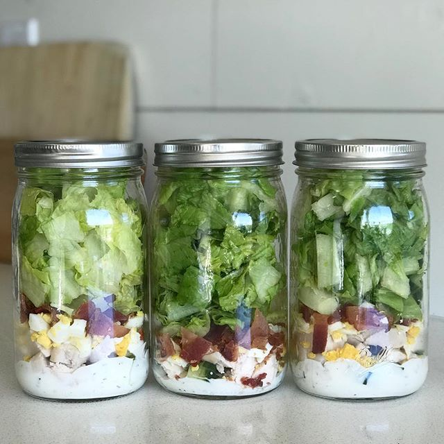 Everyone is ALWAYS so shocked that Mason Jar Salads last up to five days, fresh and still good lettuce! It's the best way to make a salad, simple ingredients, dump in, shake and eat! If you haven't jumped on the bandwagon I suggest you do so; it will change your life! The one I made this past week is the Cobb Salad. I used @bolthousefarms Greek yogurt ranch dressing, (homemade dairy-free ranch for mine) next I added cucumbers, chicken, hard boiled egg, bacon and then lastly I stuffed it with lettuce. I saved the step by step by step in my story highlights for you! Enjoy 😘