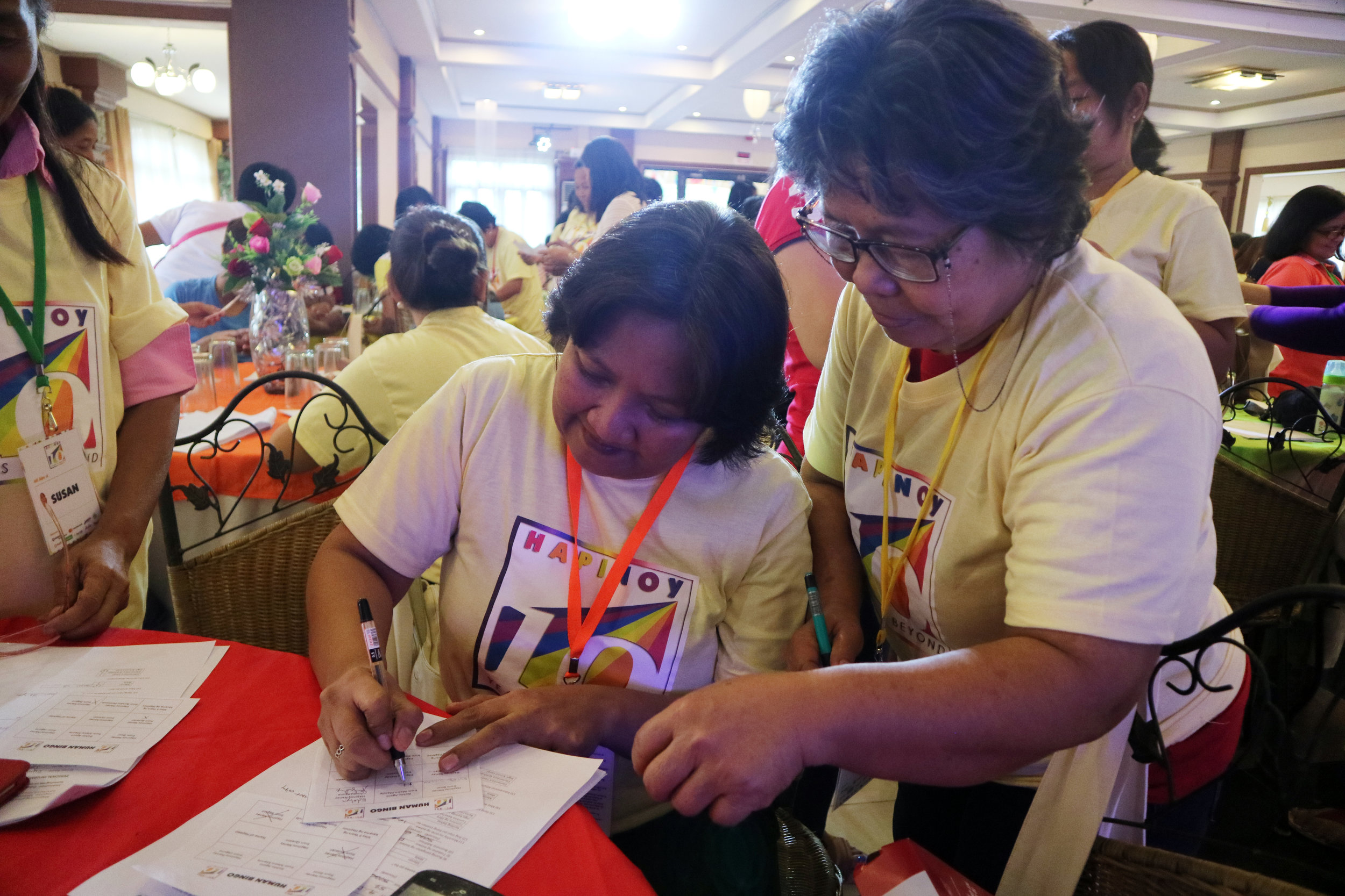 Hapinoy Negosyantes actively participated during the Human Bingo game.