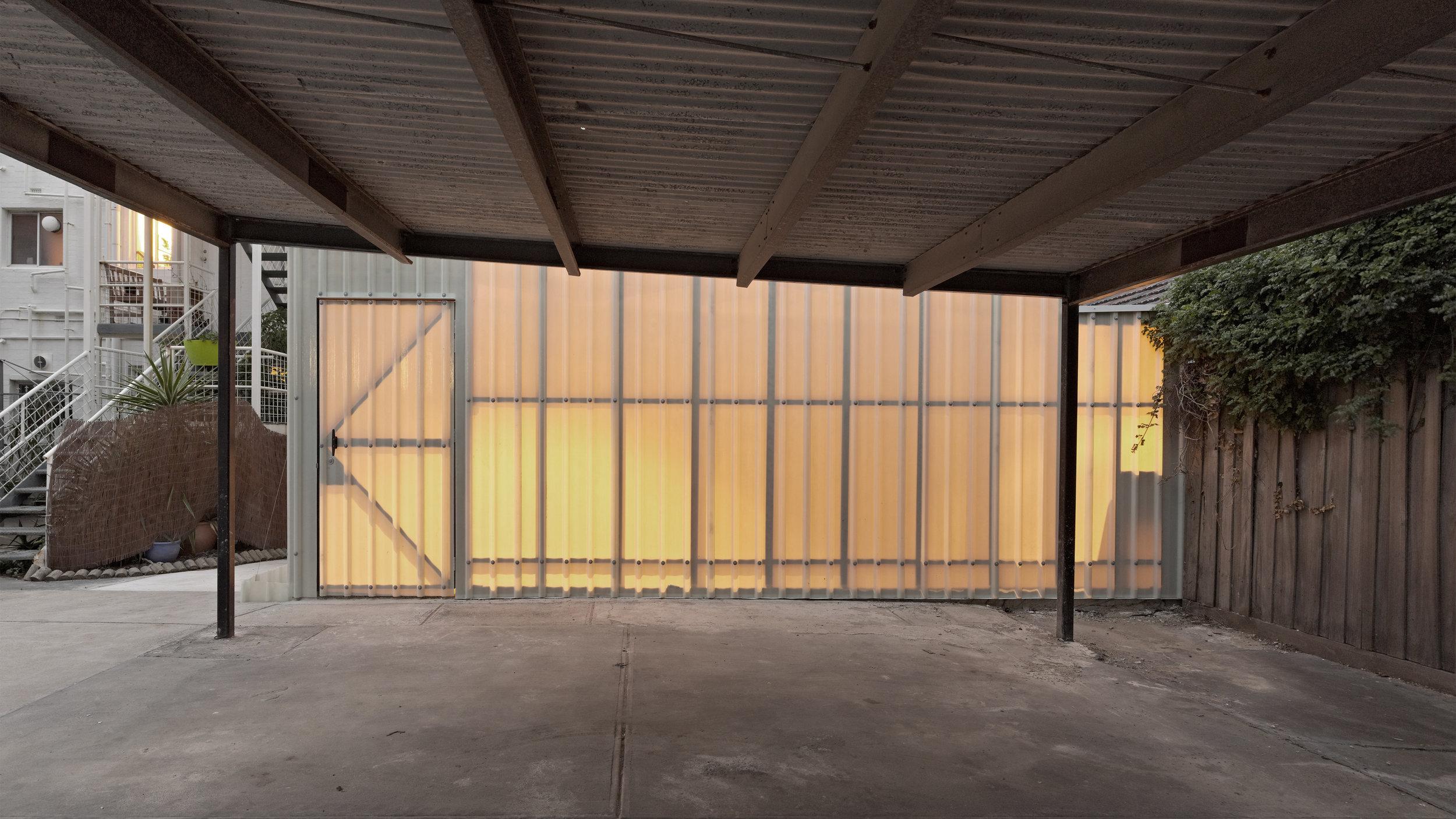 2012-02-17_07_Artist Car Park Studio_Peter Bennetts.jpg