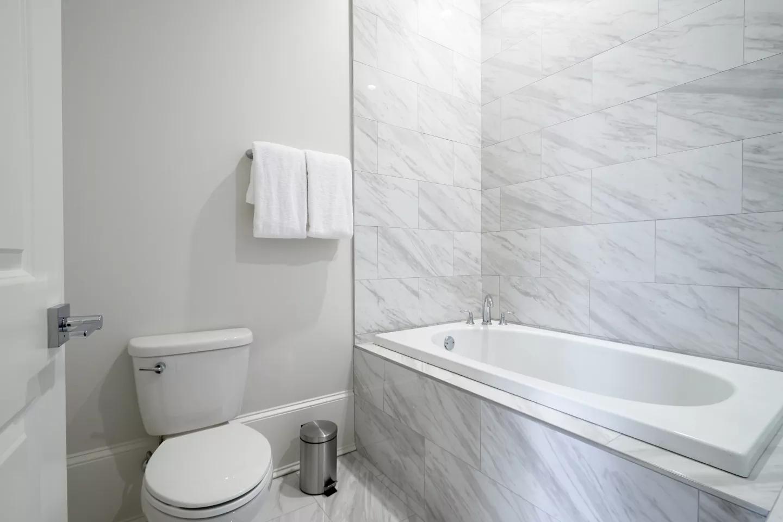 nola-cbd-condo-bathroom-3.png
