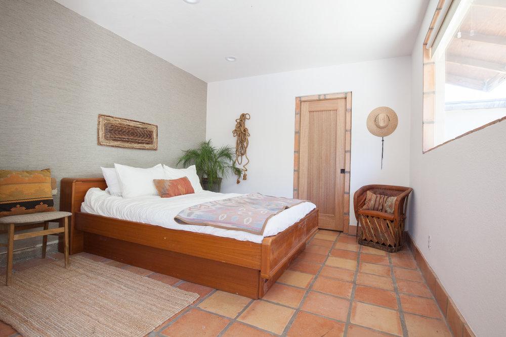 casita-suite-queen-bed.png