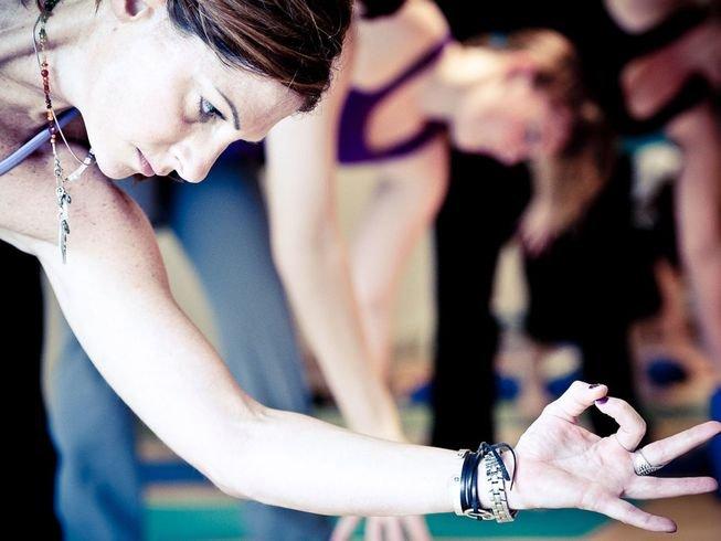 200hr-chakra-yoga-teacher-training-bali.png