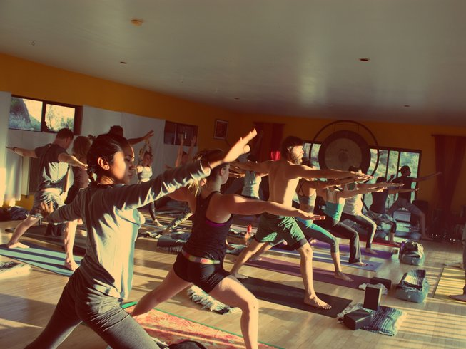 200hr-yoga-meditation-teacher-training-california-usa.png