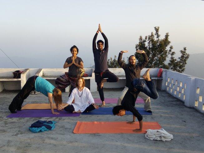 14-day-detox-yoga-retreat-2018-india.png