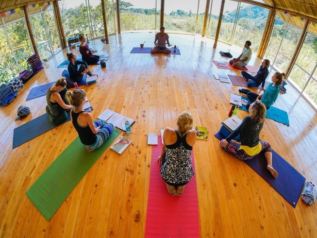 200-hour-ashtanga-vinyasa-yoga-teacher-training-guatemala.png