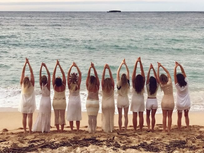 womens-yoga-retreat-in-hawaii.png