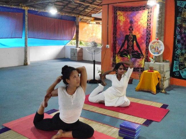 7-day-ayurvedic-yoga-and-detox-retreat-in-india.jpg