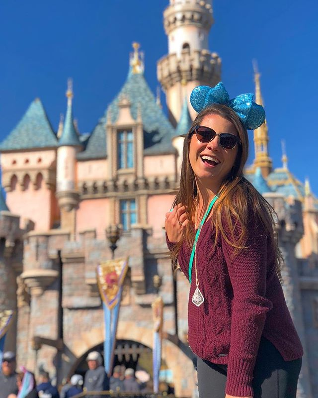 Love my Disneyland days ✨💕 and love these teal ears from @ashley_thedisneygirl 💕✨