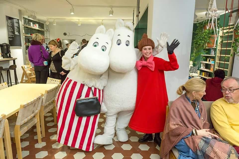 Meet the  moomins  at  Momin Caffe !