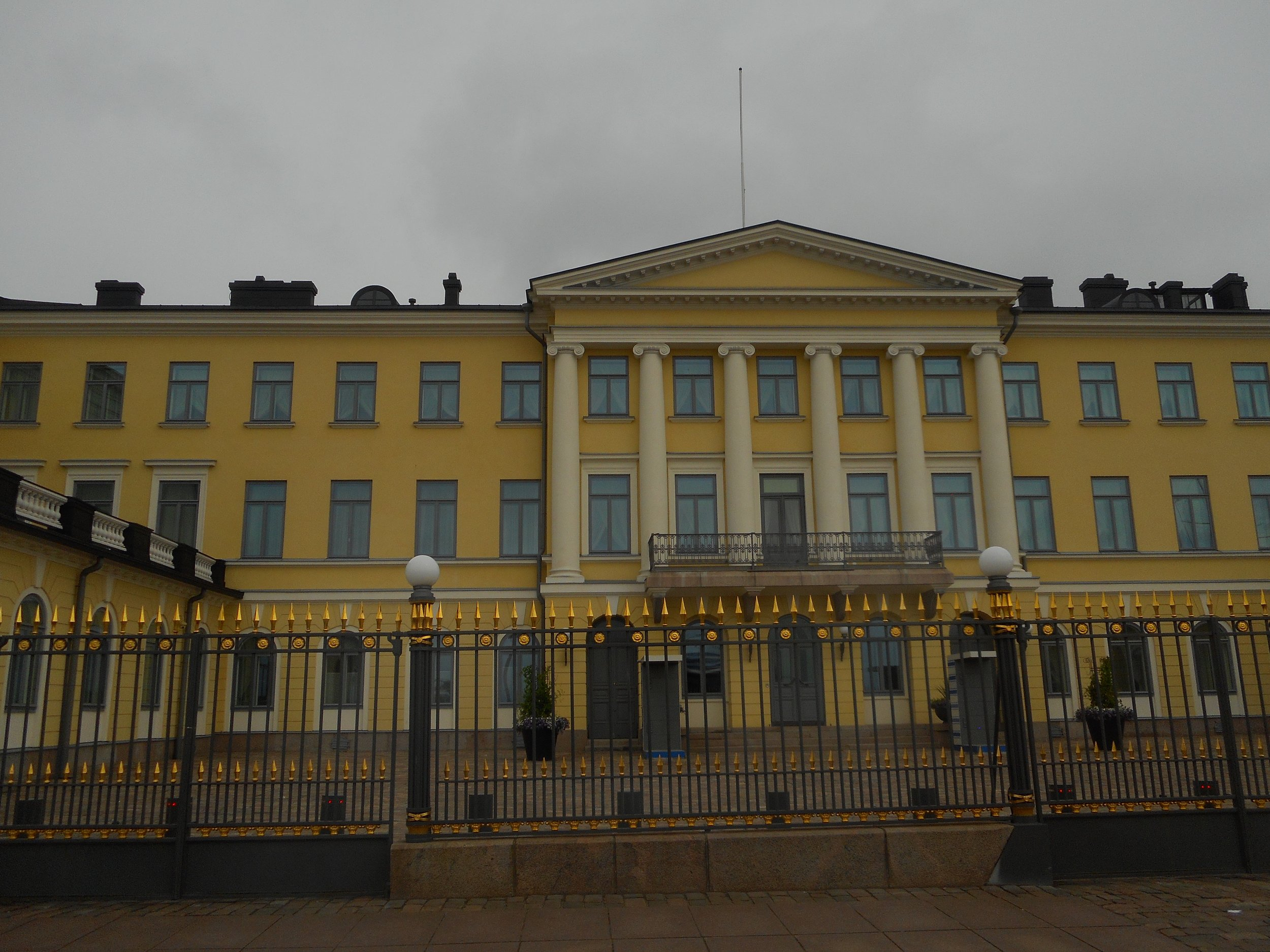 Helsinki Sightseeing trip and president palace