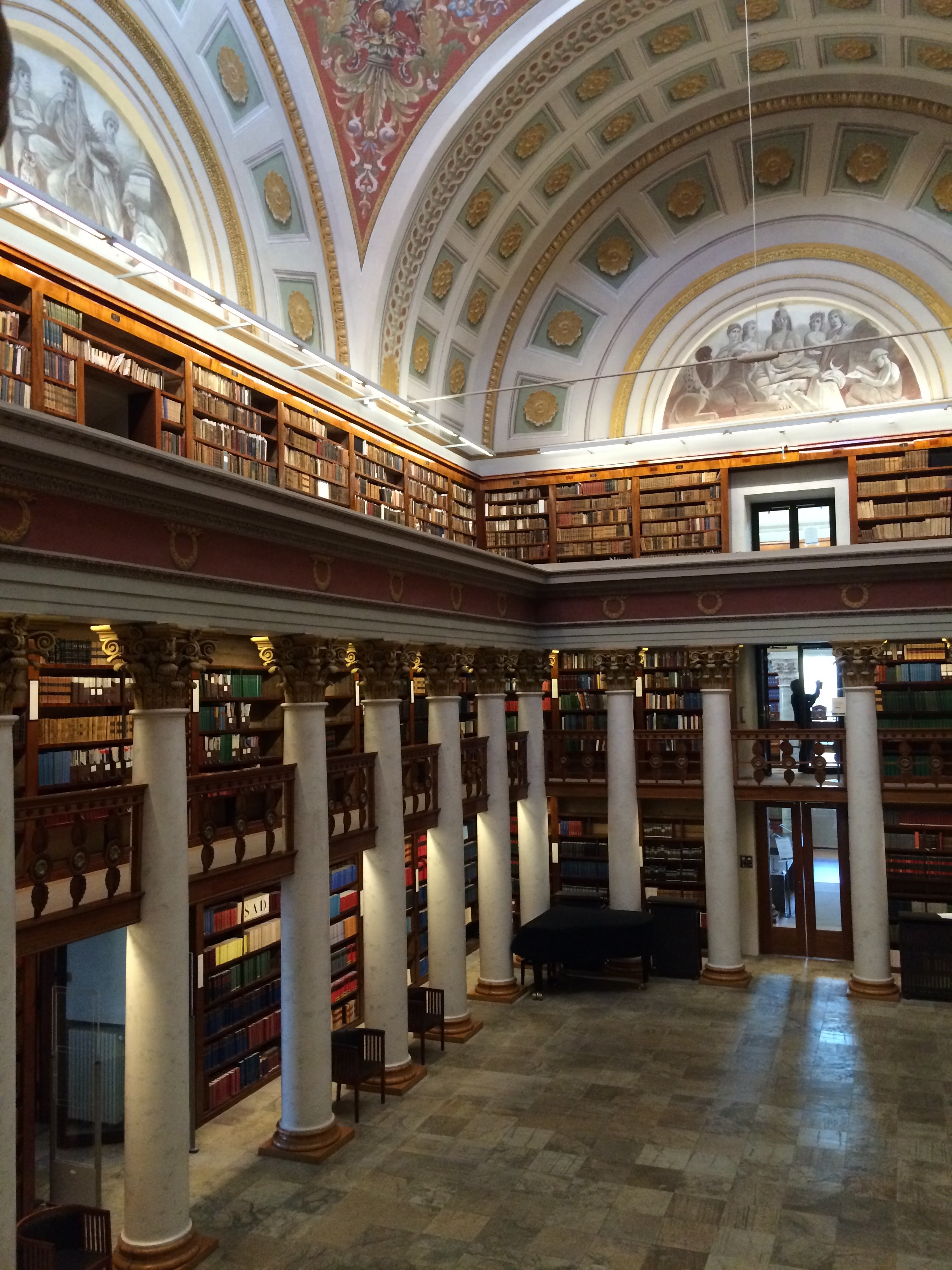 Helsinki Sightseeing trip National library of Finland