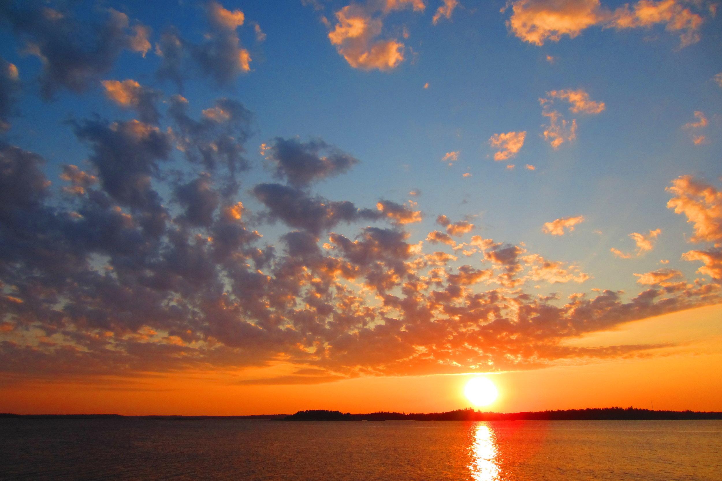 The midnight sun at  Porkkala Peninsula .