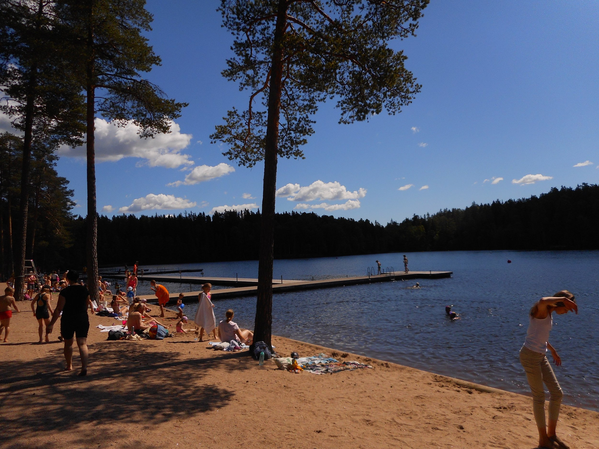 Kuusijärvi outdoor recreational center  is located just next to  Sipoonkorpi National Park .