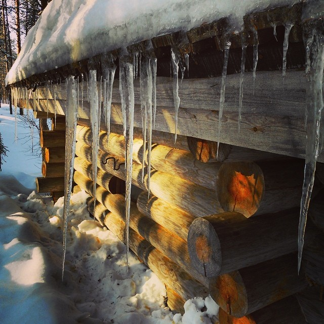 #springinfinland #icicles #meltingicicles #lomitravels #lominaturetravels  #visitfinland #visithelsinki  #myhelsinki #explorefinland #finland #helsinki #finlandnature #finnishnature #finlandnaturally  #bestoffinland #beautyofsuomi #luontoonfi