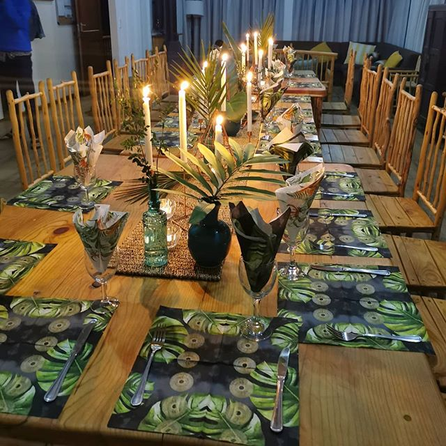 Wild Coast Dining #luxuryexpeditions #60thbirthday @nqabaraecoriverlodge #floraldecor #wildcoastsouthafrica