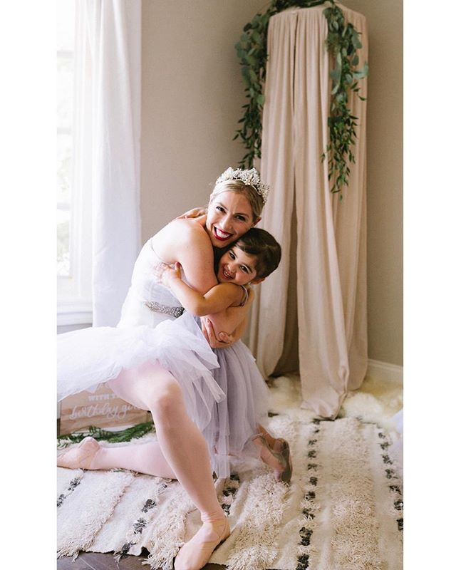 Happy feet & hugs all around ☺️💗🎉👯‍♀️ Feeling the love and sharing the joy of dance 💕  Beautiful photography by @alisonbernier . . .