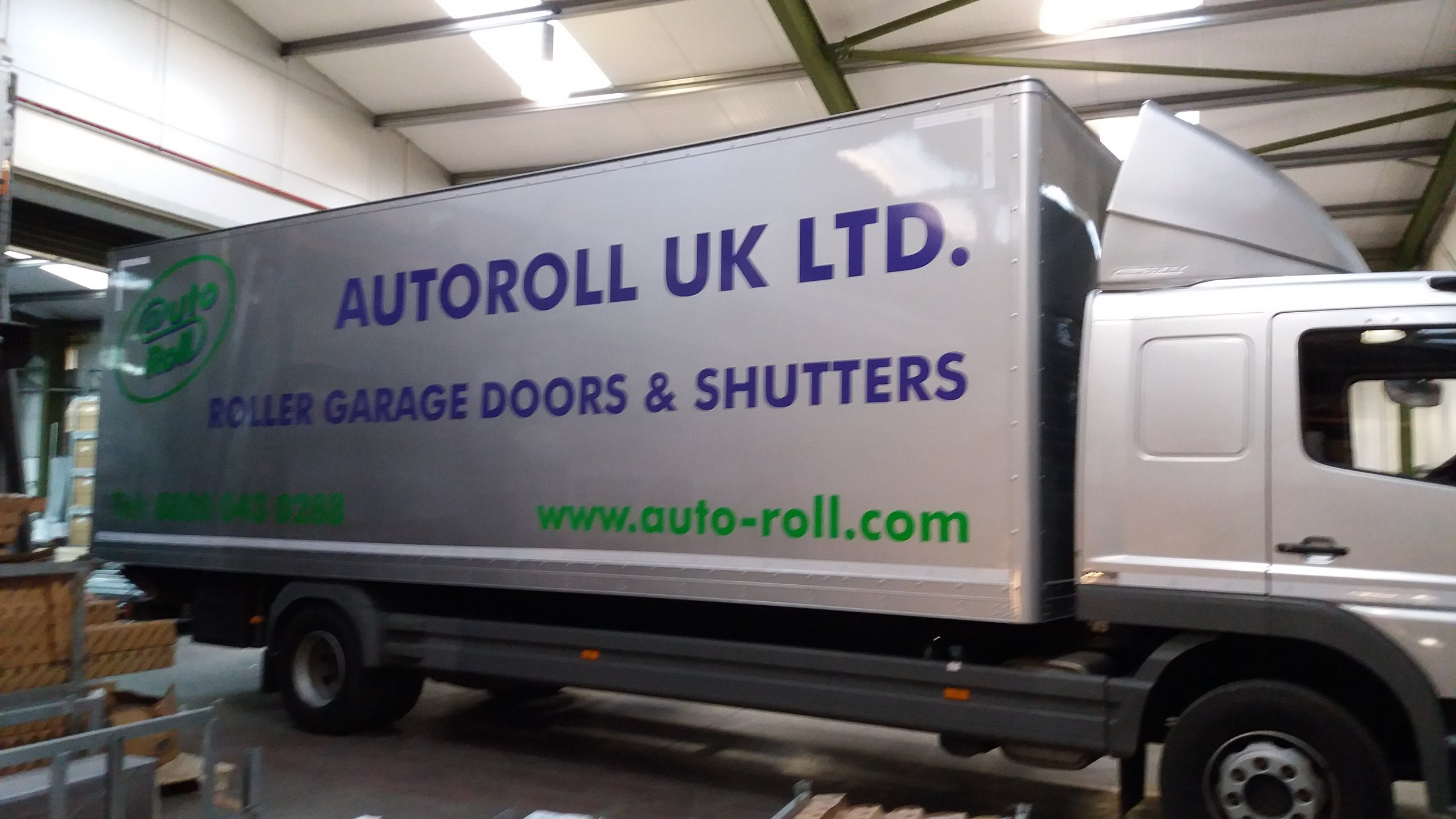 AUTOROLL   Simple but effective vehicle decals.