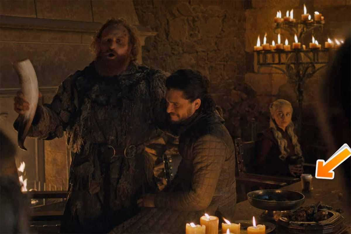 Coffee cup in Game of Thrones (S08E05)
