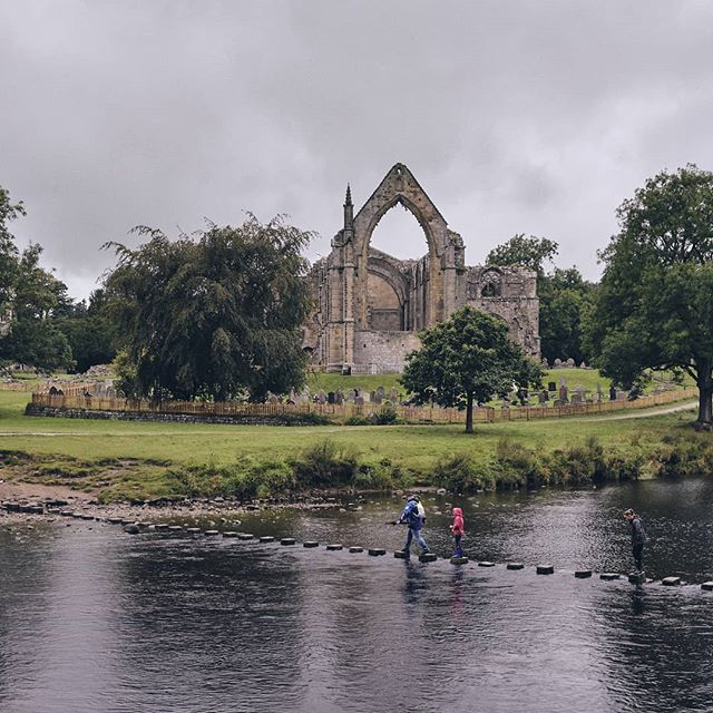 Bolton Abbey. - #adventurecrew #projectvanlife #vanlife  #boltonabbey #ourplanetdaily #nature_perfection #travelawesome #rural_love #wonderful_places #planetearth #planet_earth_shots #landscape #landscapephotography #landscape_lover #yorkshire #travelgram #travelphotography #fujifilm #fujishooters #fujixh1 #xh1