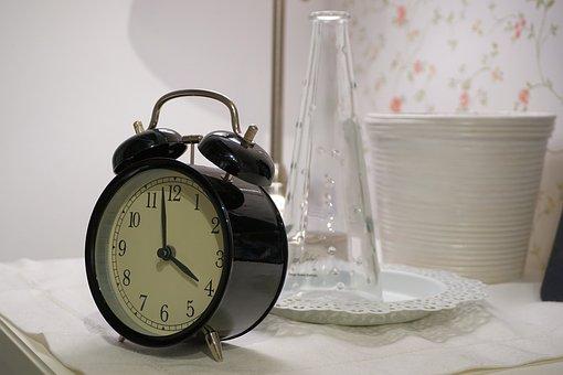 alarm-clock-1540196__340.jpg
