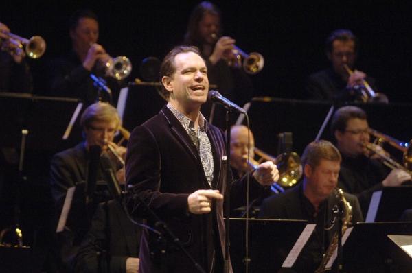 Under USA-rejsen turnerede orkestret atter engang med deres mangeårige musikalske samarbejdspartner, croonernes ukronede konge, Kurt Elling.
