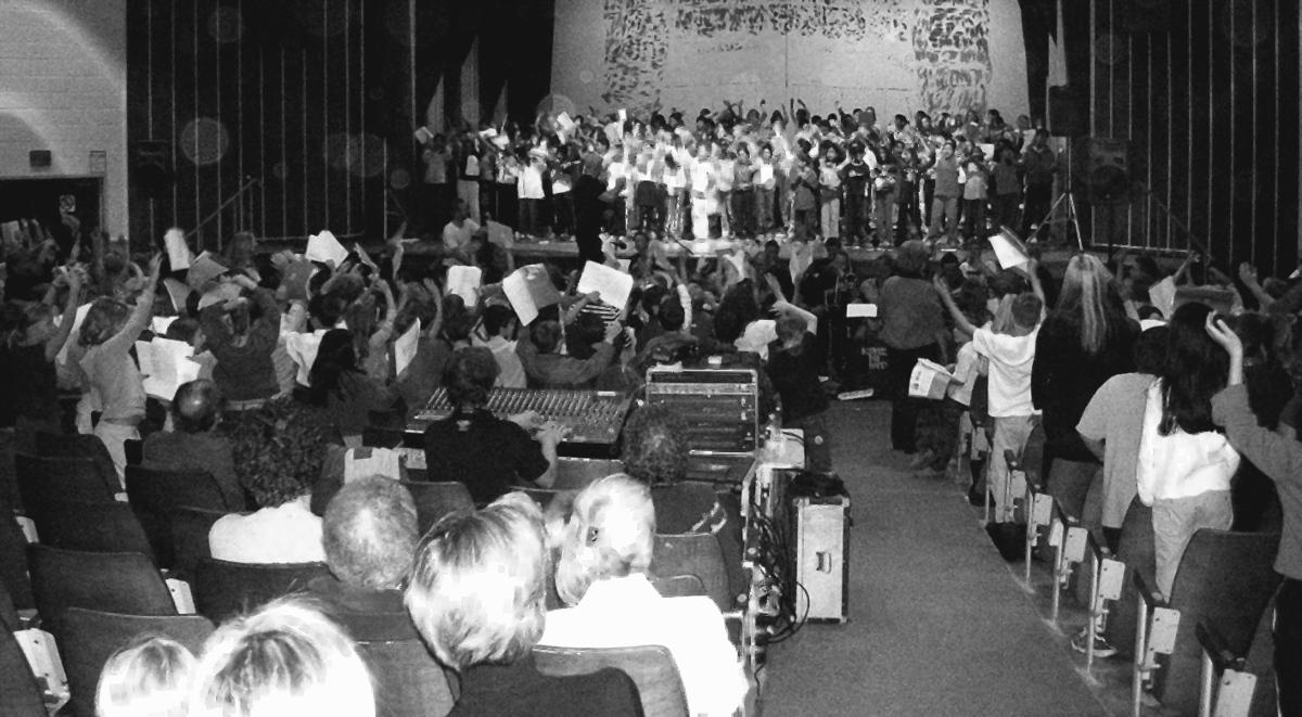 Fra en skolekoncert i Toronto, Canada, 2004.