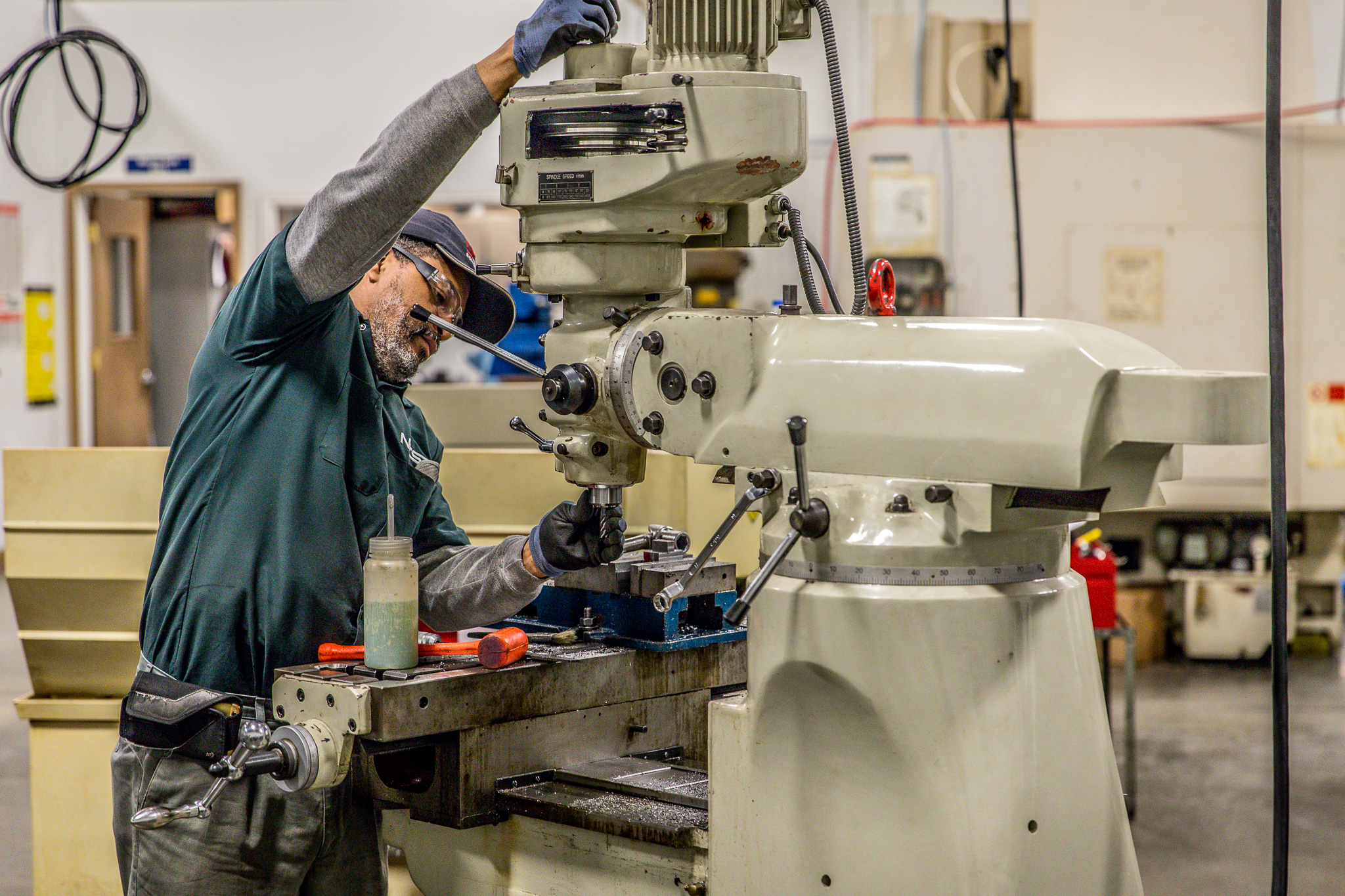 """Machinist Technology - The Machinist Technology program is geared to provide the beginning machinist with the abilities, skills and techniques for entry-level positions in the field of machine trades. Students will be exposed to a combination of classroom theory and """"hands-on"""" projects that will enable them to quickly develop the skills needed in the machine trades field."""