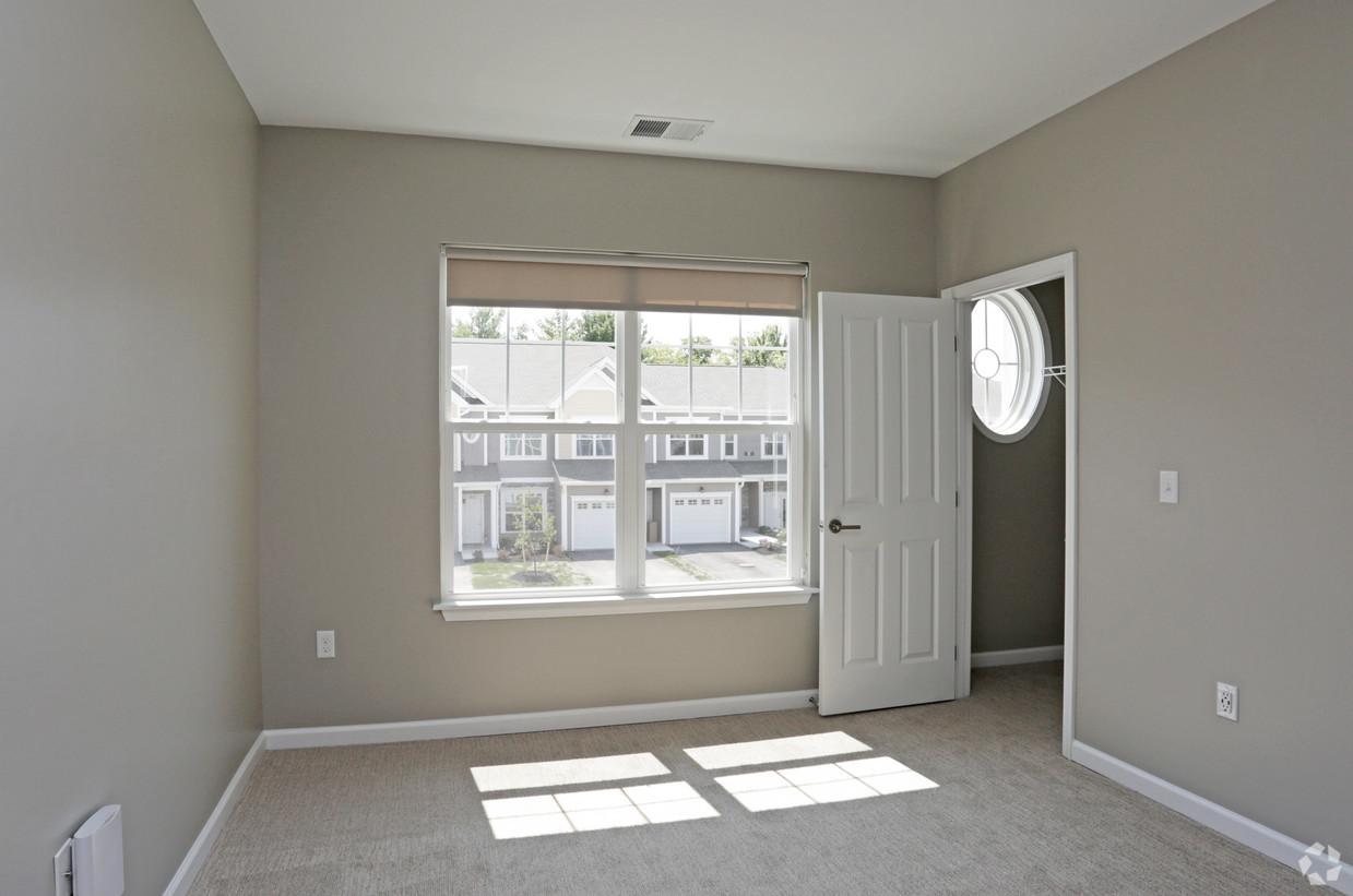 Spacious Three Bedroom Apartments