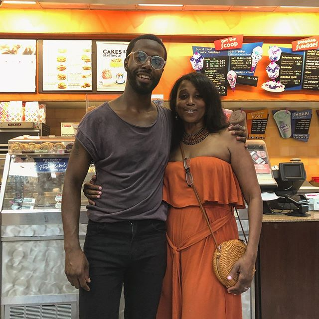 In #Nyc I got to see one of my favorite people, my Aunt Niecy. She has taught me so much about my voice as a person. Always speak my mind; live in my truth and never mind anybody else. Oh and how to hustle hard.  You see how long my arms are tho?  #blackwomenlead  #mondaymotivation