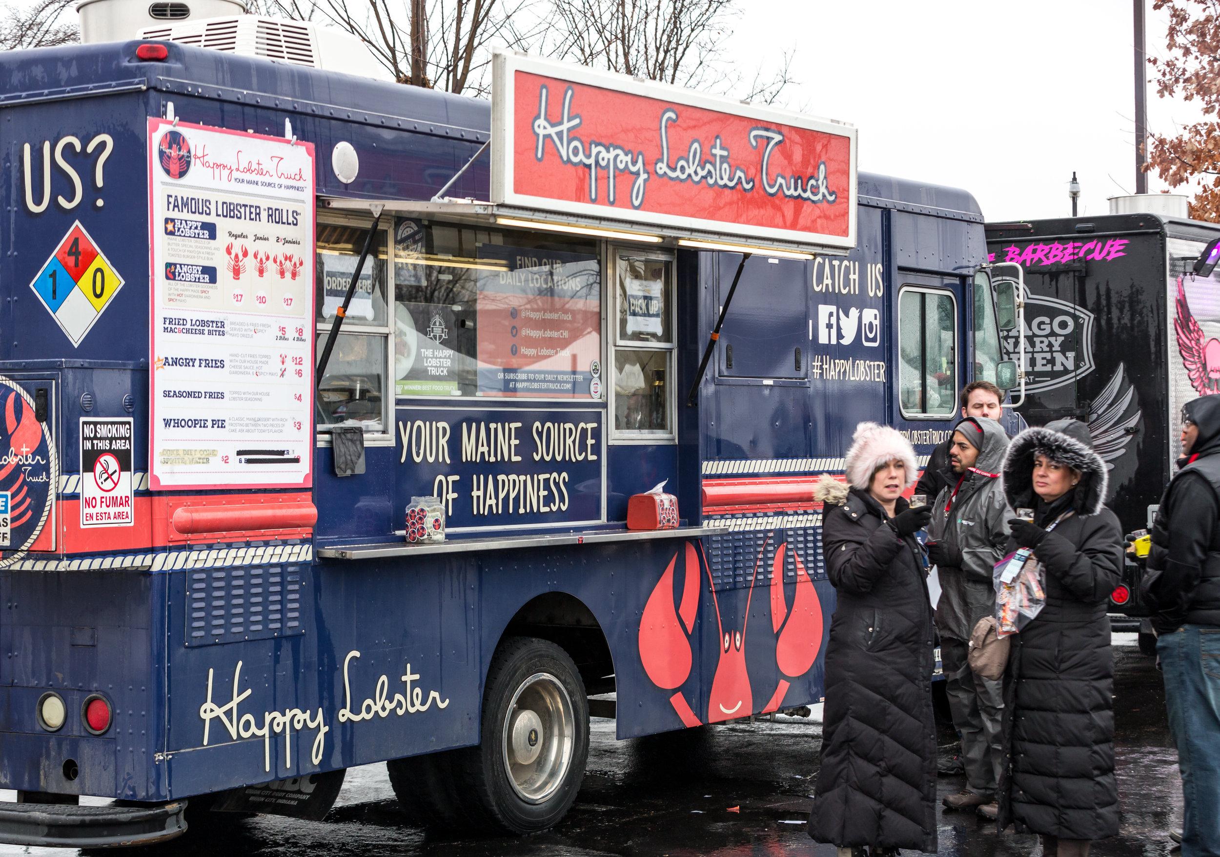 - 10 food trucks