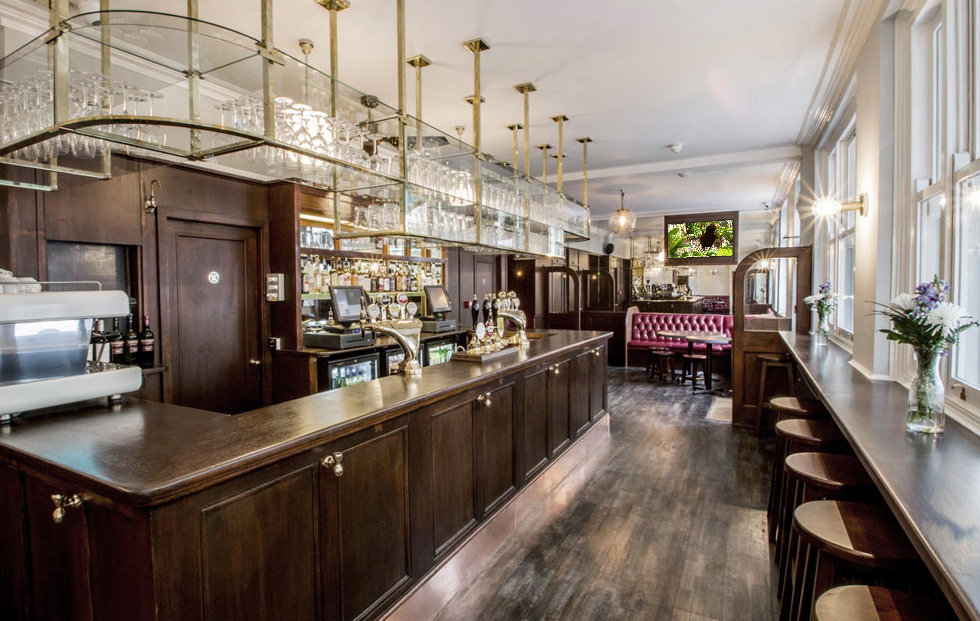 Hour Glass Pub   279-283 Brompton Rd   Chelsea, London SW3 2DY