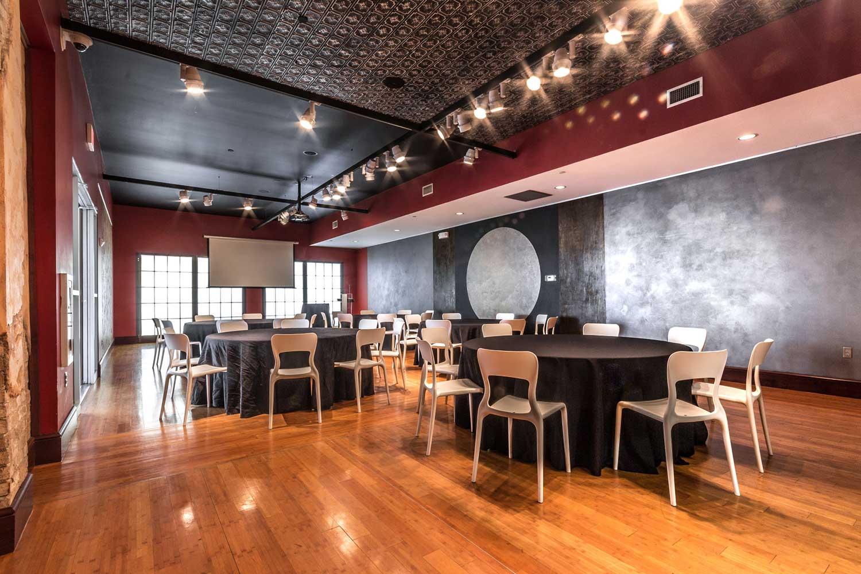 Abode-Venue-Forum-Rd-Tables-byJasonV.jpg