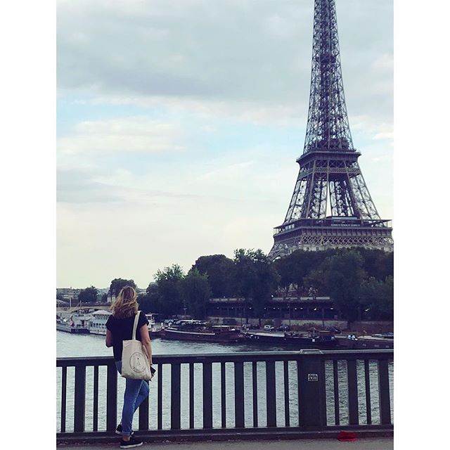 Let's get lost in Paris ⚜️ • • • #outfitoftheday #photooftheday #photographer #parisienne #eiffeltower #paris #priscollectionstore #pariscollection #view #girl #frensh #love #life #fun #amazing #sunday #weekend #getlost #funny #pariscityoflove #pariscity #city #street #bridge #seine #river #clouds