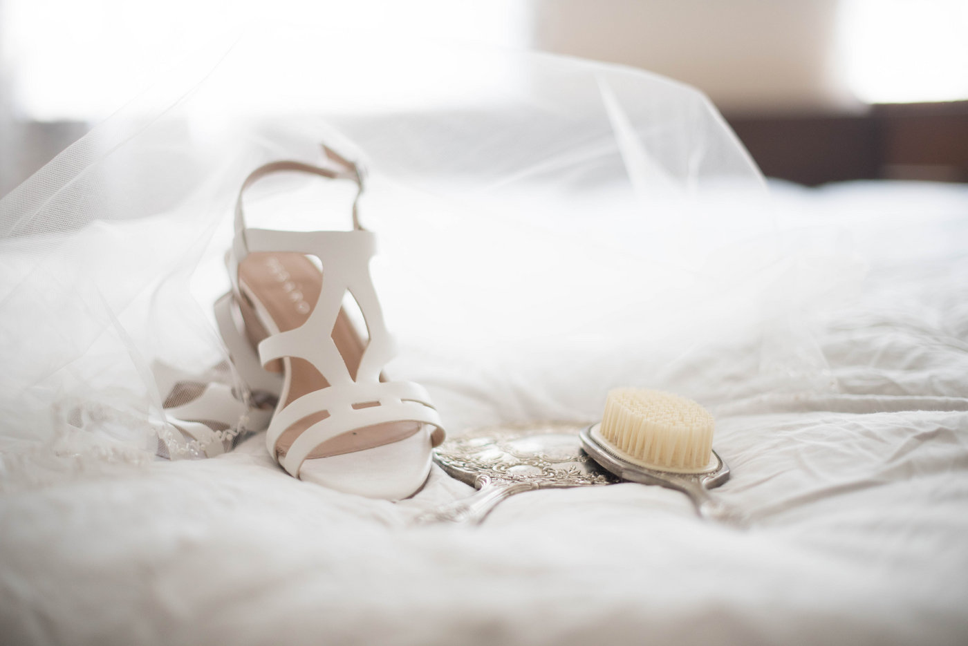 how to surprise your husband on your wedding night