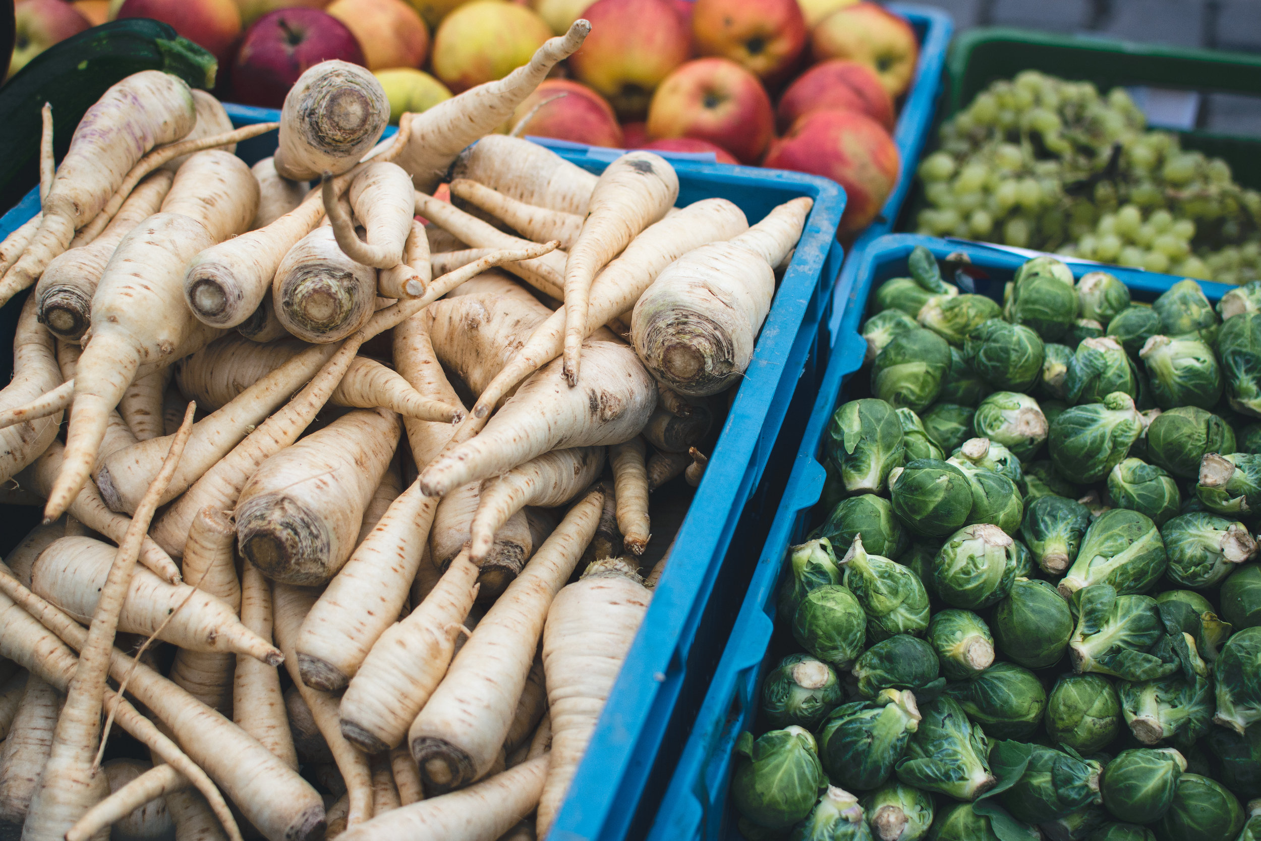 foodiesfeed.com_vegetables-at-farmers-market.jpg