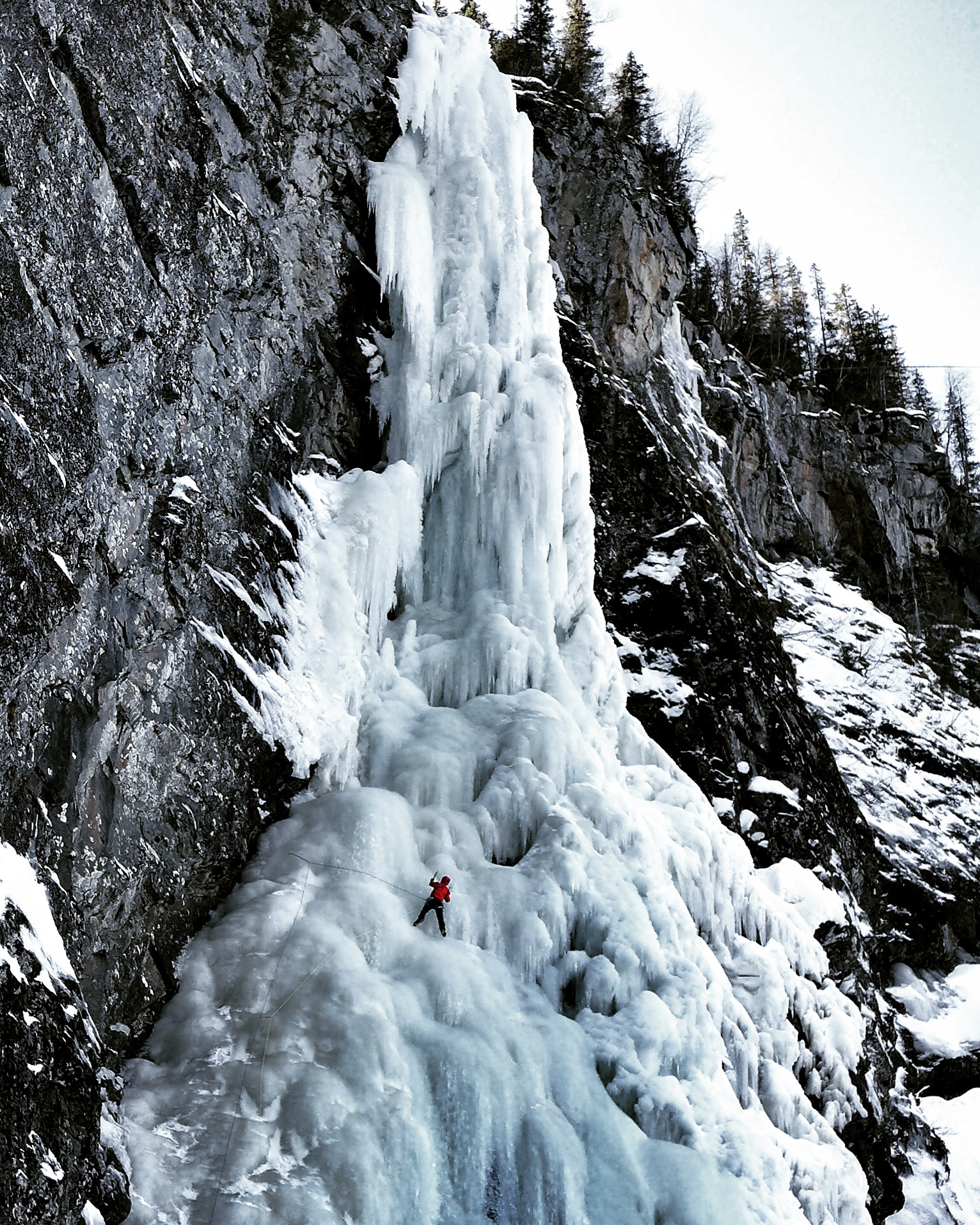 Matthias Scherer on Haugsfossen, Rjukan, Norway - picture Tanja Schmitt