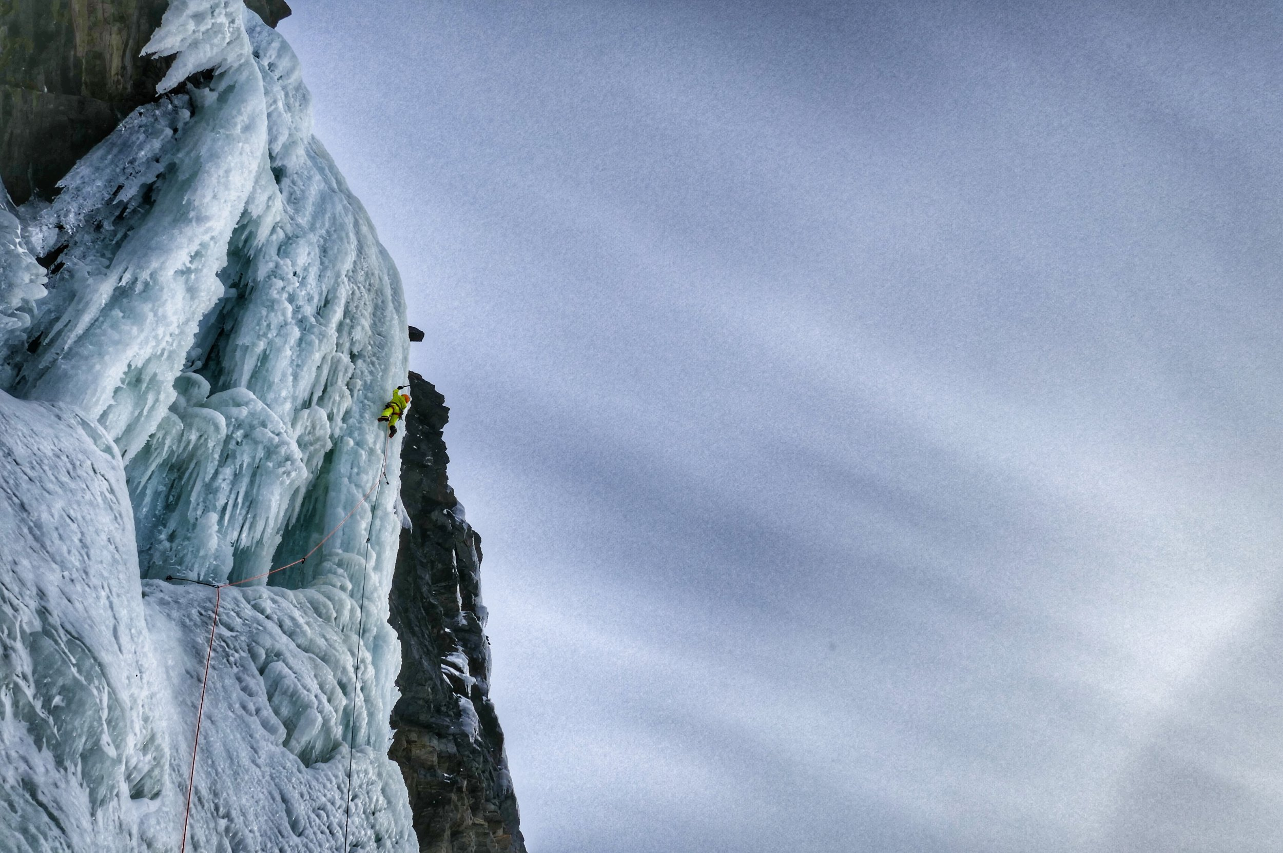 Tanja Schmitt on the giant pillar of Rubben - picture Matthias Scherer