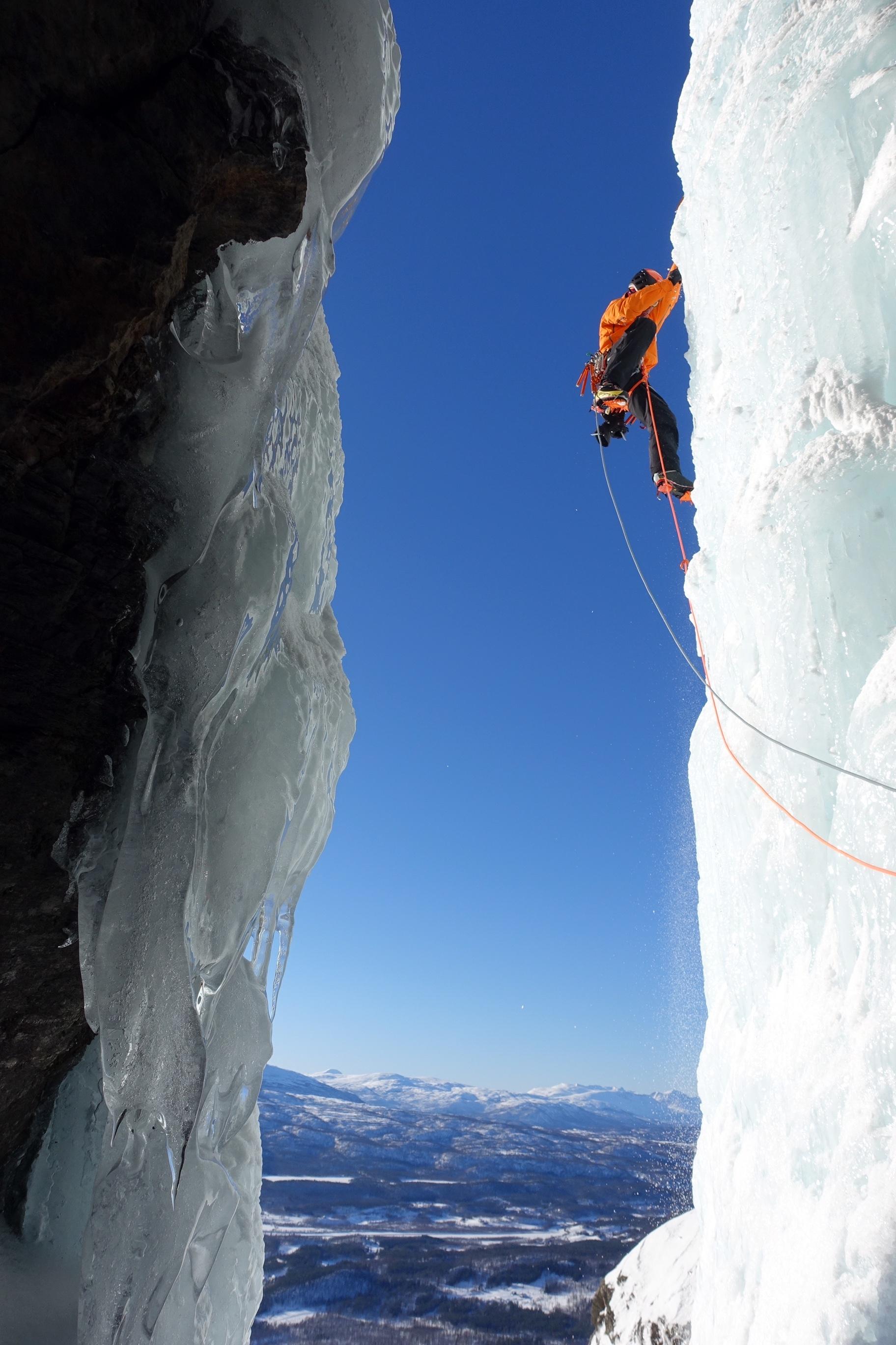 Matthias Scherer on Storstampen Pillars, March 2019, Bardujord, Norway - picture Tanja Schmitt