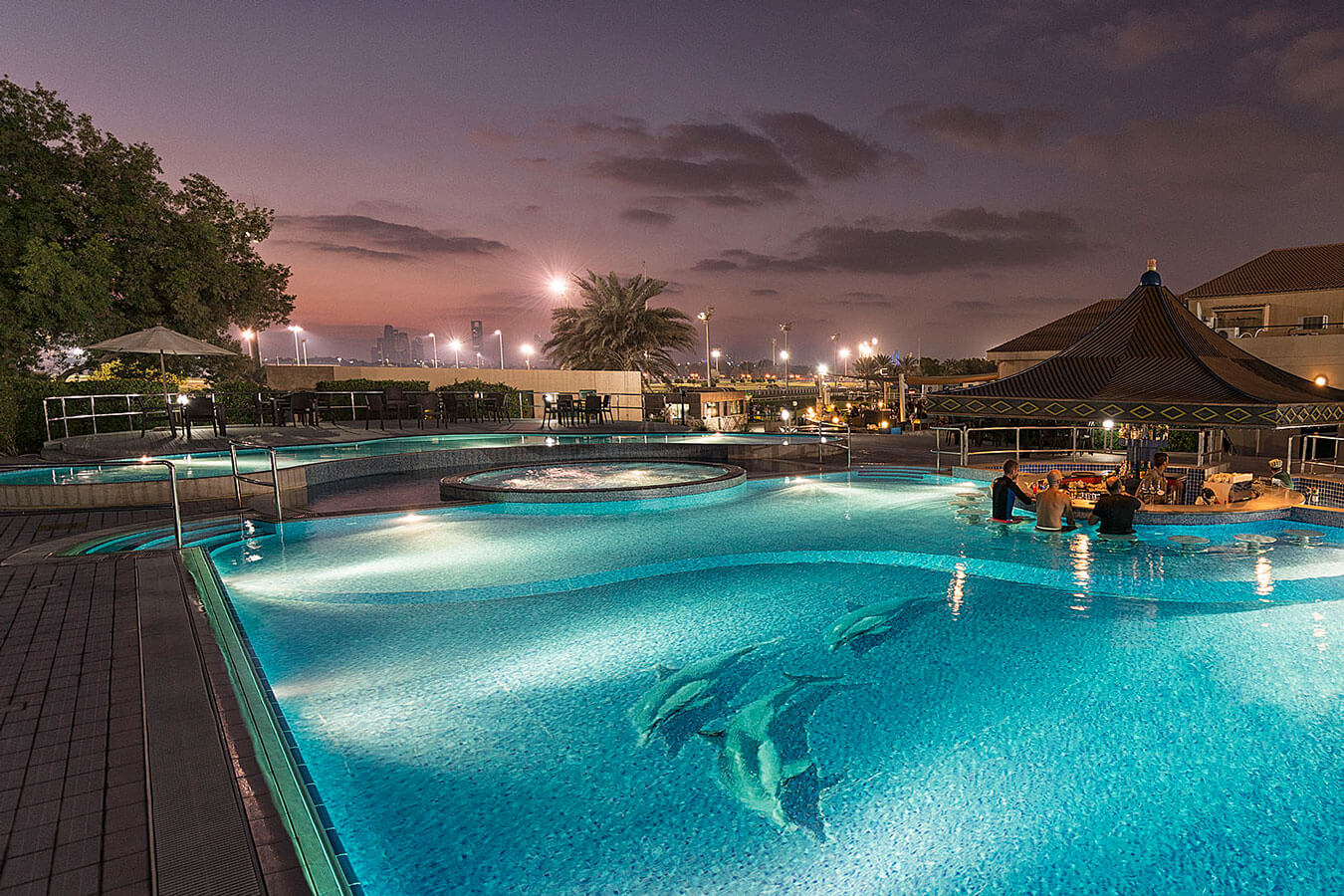 pool-4-abu-dhabi-city-golf-club.jpg