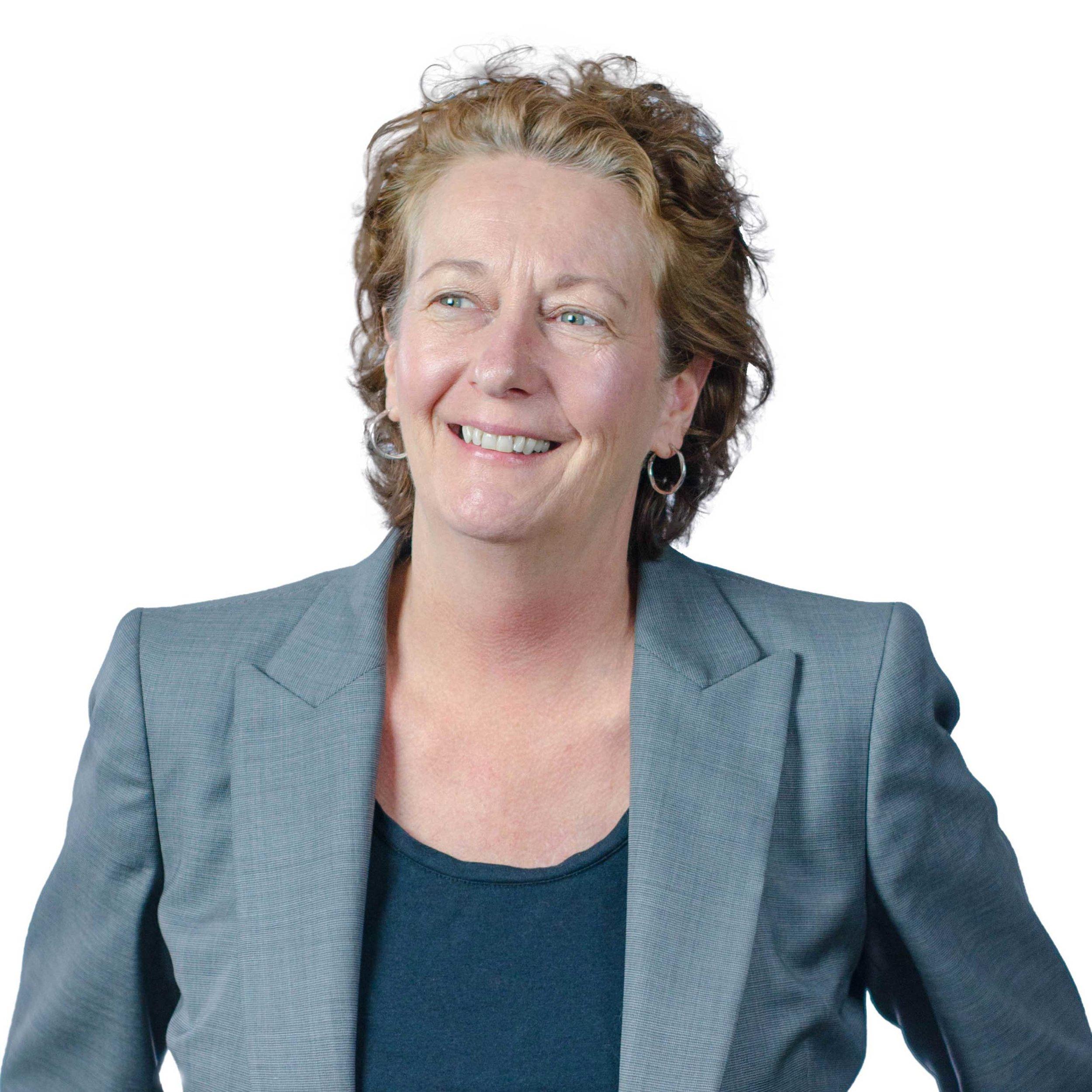 Lauren Standish, Principal