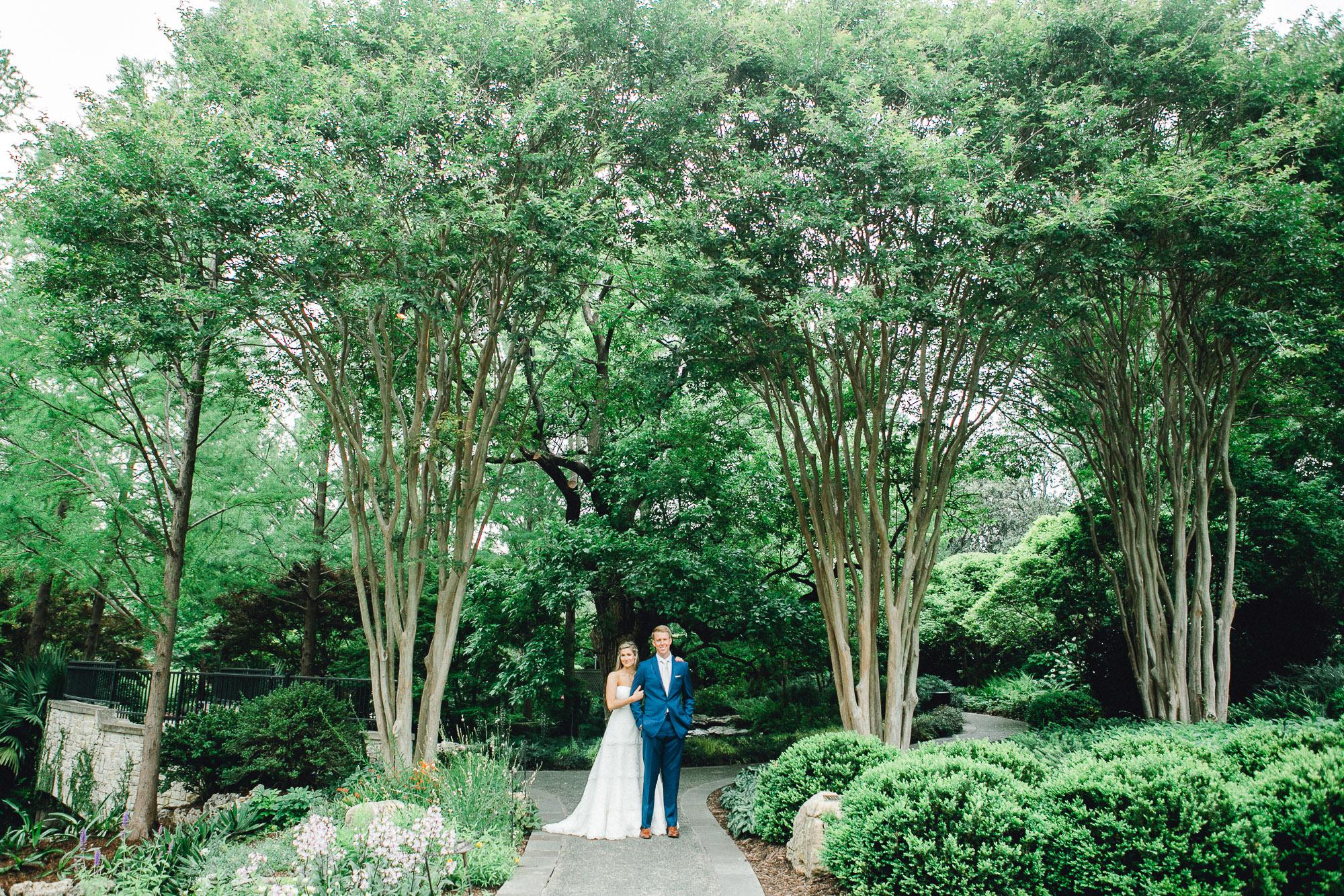 addie-michael-dallas-arboretum-weddings0057.jpg